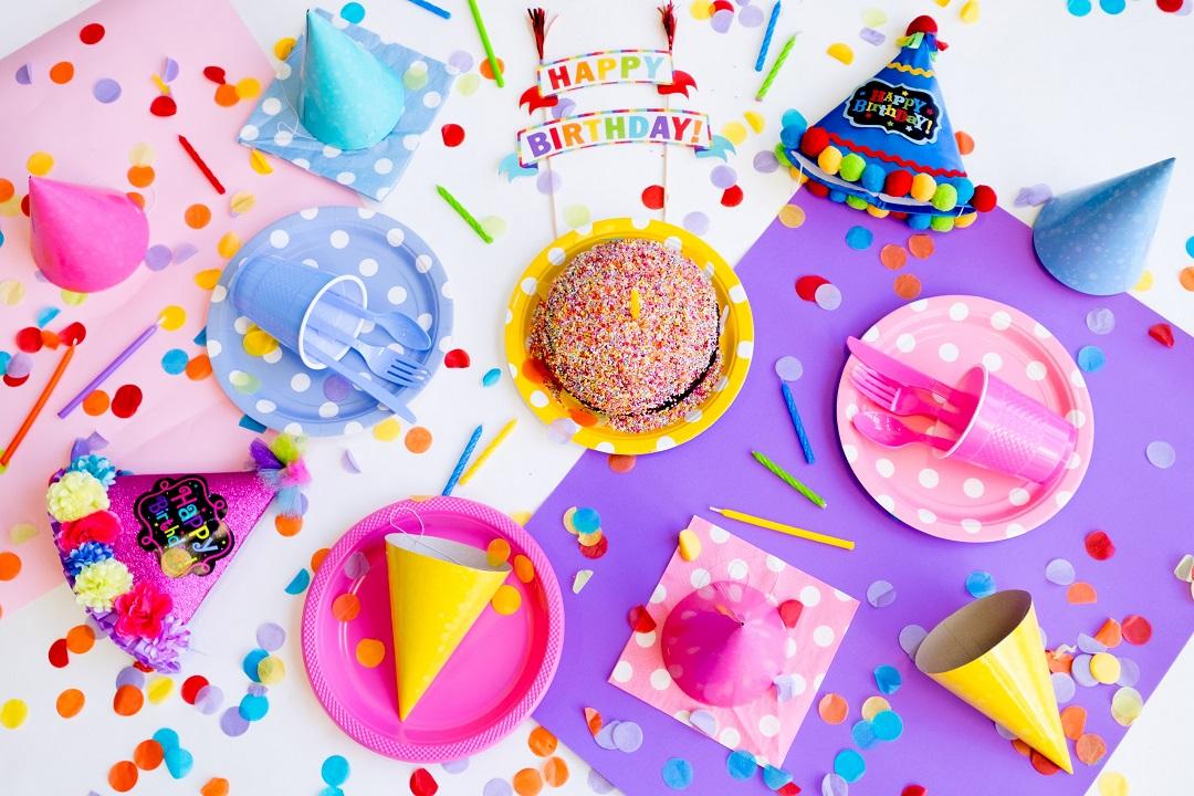 Cumpleaños en sala de fiestas - Diverworld